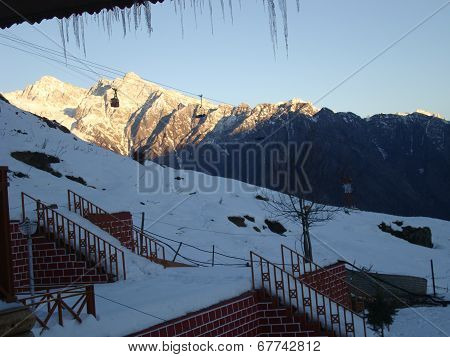 Mountain peaks at Auli, India