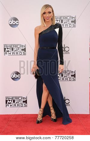 LOS ANGELES - NOV 23:  Giuliana Rancic arrives to the 2014 American Music Awards on November 23, 2014 in Los Angeles, CA