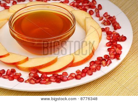 Honey, Apples And Pomegranate Seeds