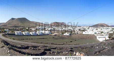 Lanzarote - Look at the village Uga