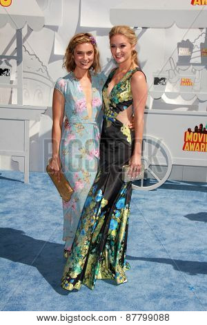 LOS ANGELES - FEB 11:  Spencer Grammer, Greer Grammer at the MTV Movie Awards 2015 at the Nokia Theater on April 11, 2015 in Los Angeles, CA