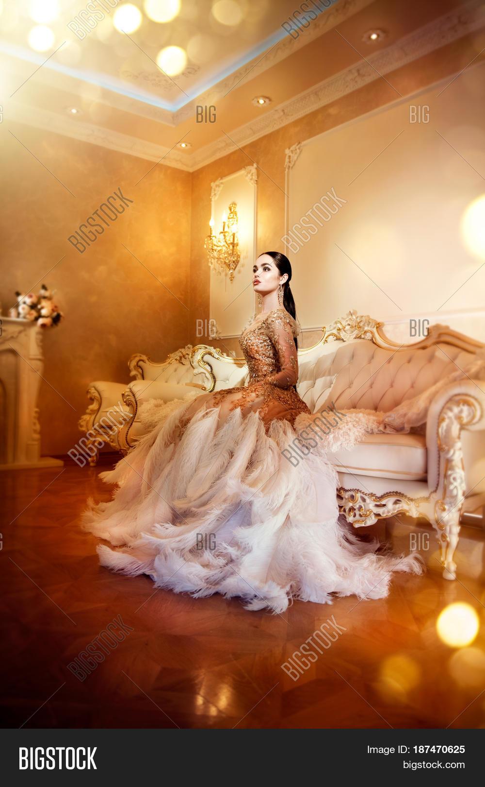 elegant glamorous ball gown party dresses