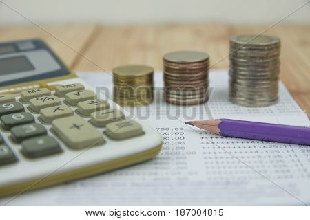 Financial analysis by rows chart pen calculator
