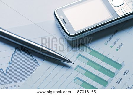 Finance finances analysing analyze analyse analisis chart