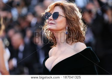 Susan Sarandon attends the 'Ismael's Ghosts (Les Fantomes d'Ismael)' screening and Opening Gala during the 70th annual Cannes Film Festival at Palais des Festivals on May 17, 2017 in Cannes, France.