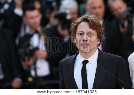 Mathieu Amalric attends the 'Ismael's Ghosts (Les Fantomes d'Ismael)' screening and Opening Gala during the 70th annual Cannes Film Festival at Palais  on May 17, 2017 in Cannes, France.