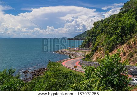 the beauty of seashore road that sees beautiful scenery in the route ,