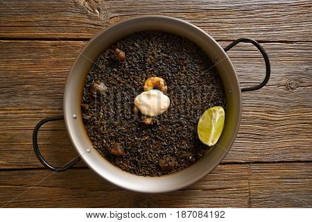 Black rice Paella recipe for two from Valencia Spain