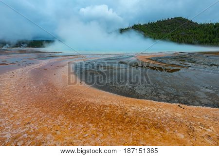Grand Prismetic Geyser, In Yellowstone