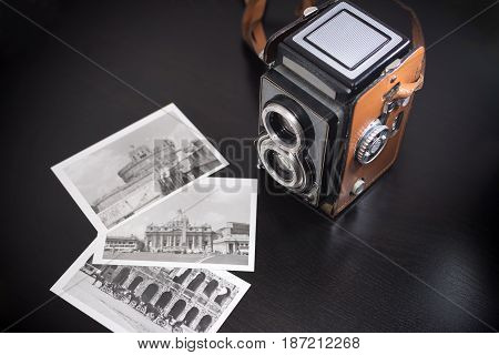 Old biooptic camera and old black and white pics