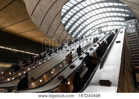 Canary Wharf Tube Station During The Rush Hour