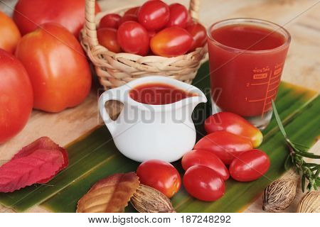 Tomato juice with fresh tomatoes is tasty