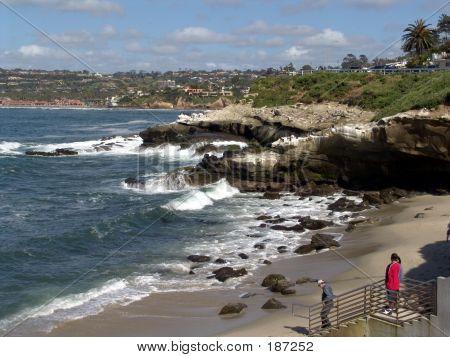 Tourists At La Jolla Cove