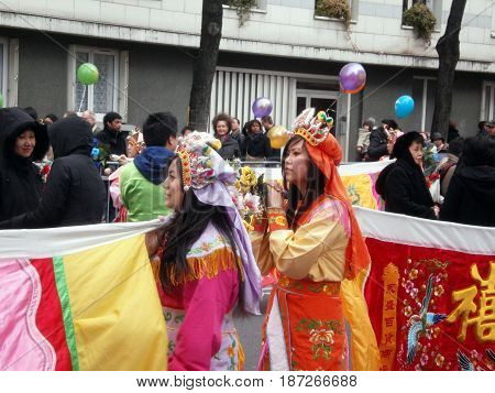 Chinese new year parade in Paris, february 2011 6th (Young women)
