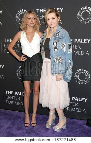 LOS ANGELES - MAY 18:  Sarah Hyland, Abigail Breslin at the