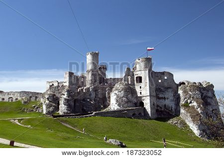 Ogrodzieniec Castle Is A Ruined Medieval Castle In The Krakow-czestochowa Upland. Located On The Tra