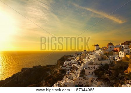 famouse sunset of Oia over Santorini island and Aegan sea, Santorini island, Greece