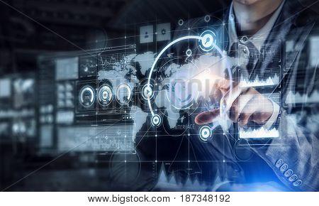 Virtual tehnologies in use . Mixed media . Mixed media