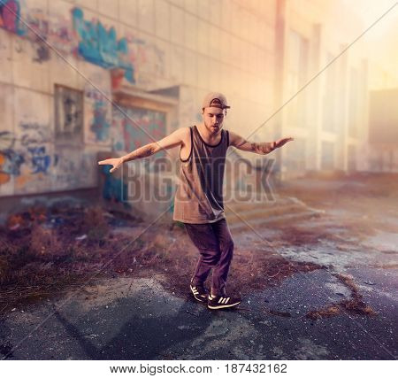 Rapper dance on the street, trendy lifestyle