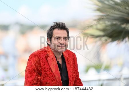 Matthieu Chedid  attends the 'Faces, Places (Visages, Villages)' photocall during the 70th annual Cannes Festival at Palais des Festivals on May 19, 2017 in Cannes, France.