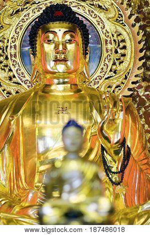 buddha mystic china golden interior   culture   calm