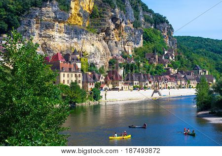 Lovely village of la Roque Gageac on the Dordogne river. Classified among the most beautiful village of France.