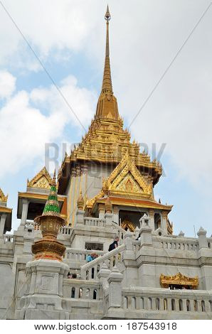 BANGKOK THAILAND- MAY 19 2017: Tourists visit the Wat Traimit (Temple of golden Buddha) in Bangkok Thailand in Thailand. World's biggest Pure gold buddha is located here.