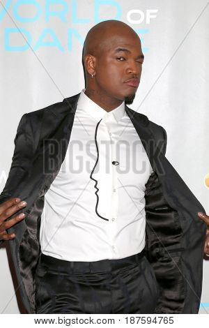 LOS ANGELES - JAN 25:  Ne-Yo, aka Shaffer Chimere Smith at the