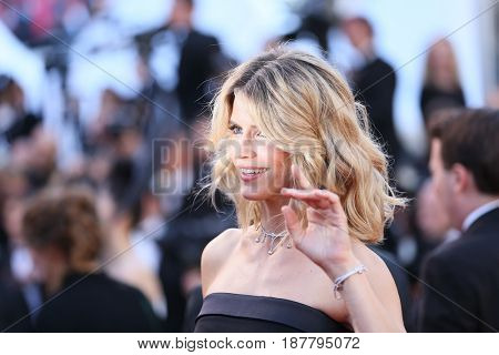 Alice Taglioni attends the 'Ismael's Ghosts (Les Fantomes d'Ismael)' screening and Opening Gala during the 70th annual Cannes Film Festival at Palais  on May 17, 2017 in Cannes, France.