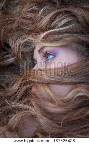 beauty eyes with blonde hair
