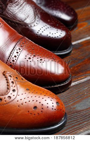 Fashion Classical Polished Men's Shades Of Brown Oxford Brogues.selective Focus