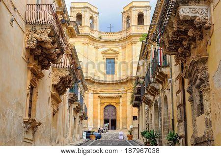 Church (Chiesa) of Montevergine and the balconies of the Villadorata Palace (Palazzo Nicolaci) - Noto Sicily Italy, 18 October 2011