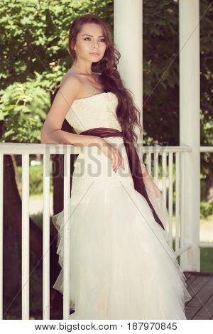 portrait of young beautful bride at nature