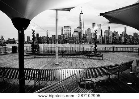 Jersey City, Nj / Usa - 01 01 2019: Breathtaking View Of New York City From J Owen Grundy Park, Nj.