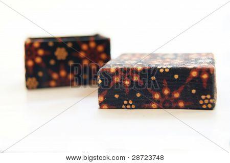 batik motifs box