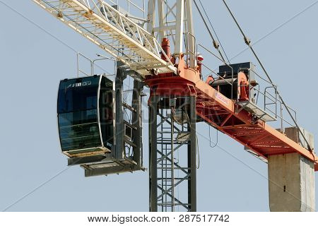 Gosford, New South Wales, Australia - January 14, 2019:  A Working Tower Crane Up Close On New Home