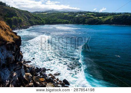 Waves of Honolua Bay on the north of Maui, Hawaii