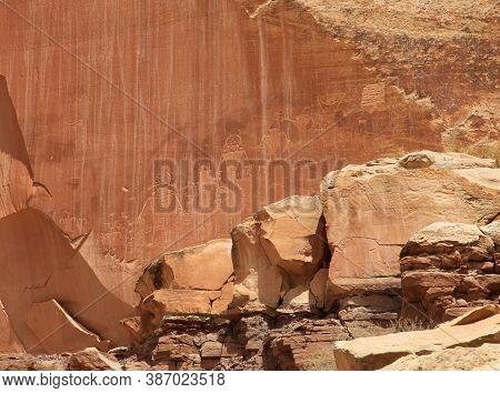 Petroglyphs in Capitol Reef National Park, Utah