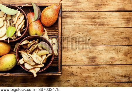 Dried Pears And Fresh Pears