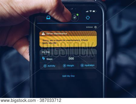 Chiang Rai, Thailand : 26/07/2020 : The Notice In App Showing On Smartphone Screen About Incident An