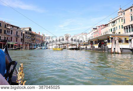 Venice, Ve, Italy - July 13, 2020: Grand Canal And Rialto Bridge Seen From A Gondola Boat