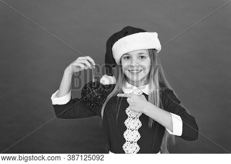 Advent Calendar. Christmas Celebration Idea. Happy Face. Shine And Glitter. School Party. Child Hold