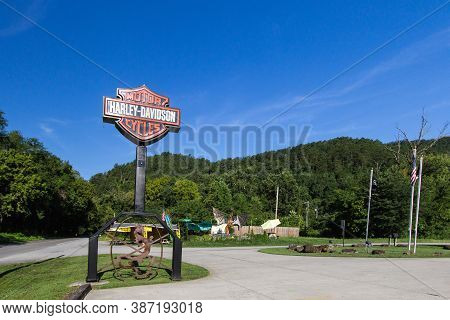 Maryville, Tennessee, Usa - August 12, 2020: Sign For The Smoky Mountain Harley Davidson Located On