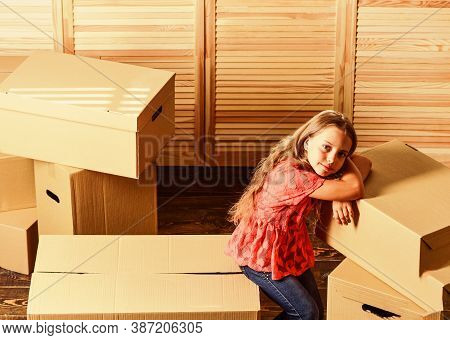 Happy Child Cardboard Box. Purchase Of New Habitation. Cardboard Boxes - Moving To A New House. Repa
