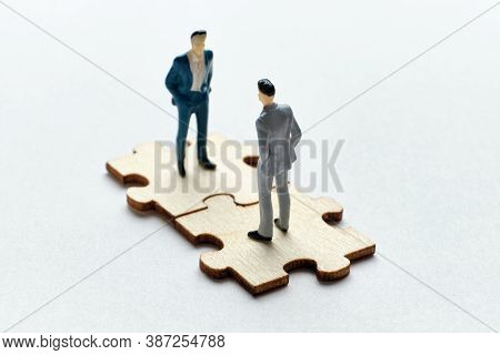 The Concept Of The Relationship Between Employee And Boss In Business Management.