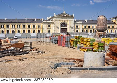 Belgrade / Serbia - September 13, 2020: Reconstruction Works In Front Of The Former Belgrade Main Ra