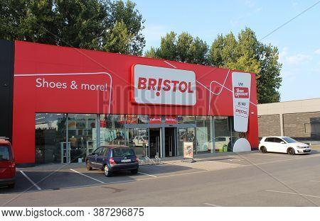 Dendermonde, Belgium, 19 September 2020: Exterior View Of A Bristol Store. Bristol Is A Belgian Chai