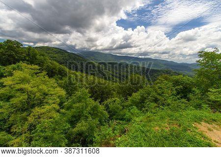 Scenic View On The Cherohala Skyway. Vast Wilderness And Forest On The Cherohala Skyway. The Scenic