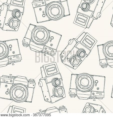 Seamless Pattern With Old Vector Retro Hand Drawn Sketch Hipster Photo Camera. Vintage Doodle Kids I