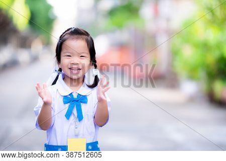 Kindergarten Students Wearing Blue And White School Uniform, Standing Ovation, Happy To Go To School